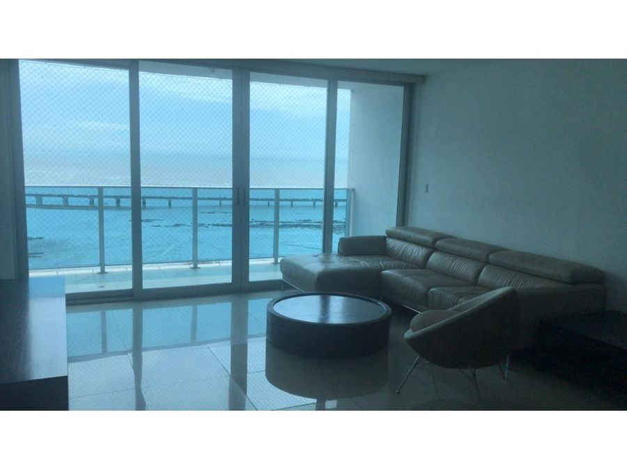se vende apartamento ph icon tower semiamoblado