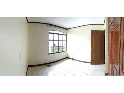 alquilo apartamento la guaria moravia 2h15b 2g 700k