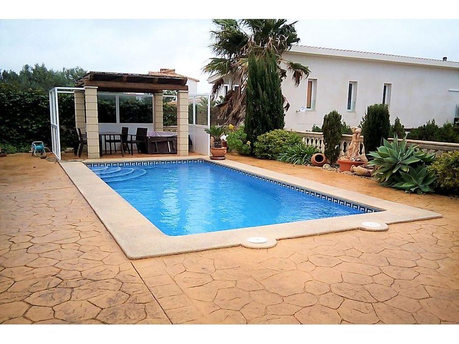 chalet con piscina en colonia sant pere