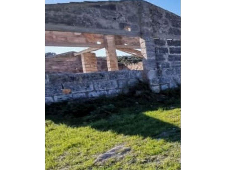 terreno edificable con ruina en petra