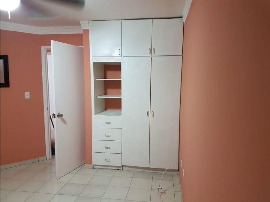 vendo apartamento en calle 50 2 recamaras 1400000 ac