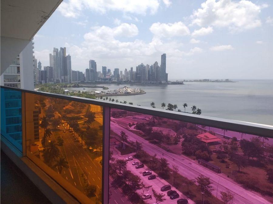 ph element avenida balboa con vista al mar