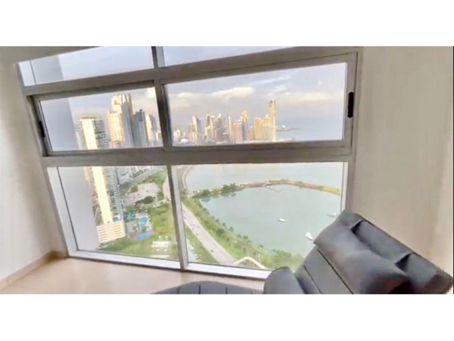 full amoblado en av balboa balcon vista al mar ph white tower ca