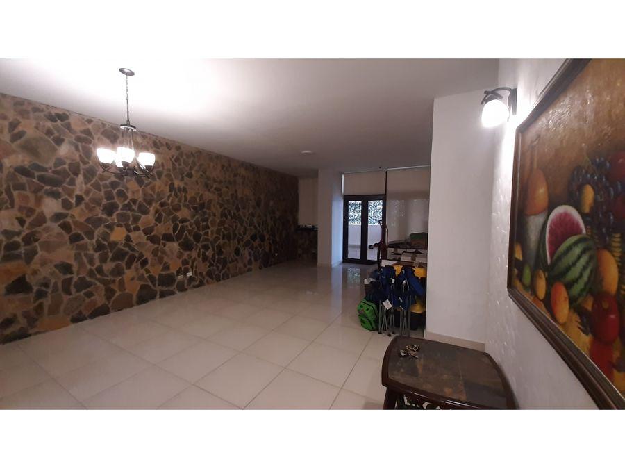 se alquila apartamento en san francisco ph frisco real con terraza lh