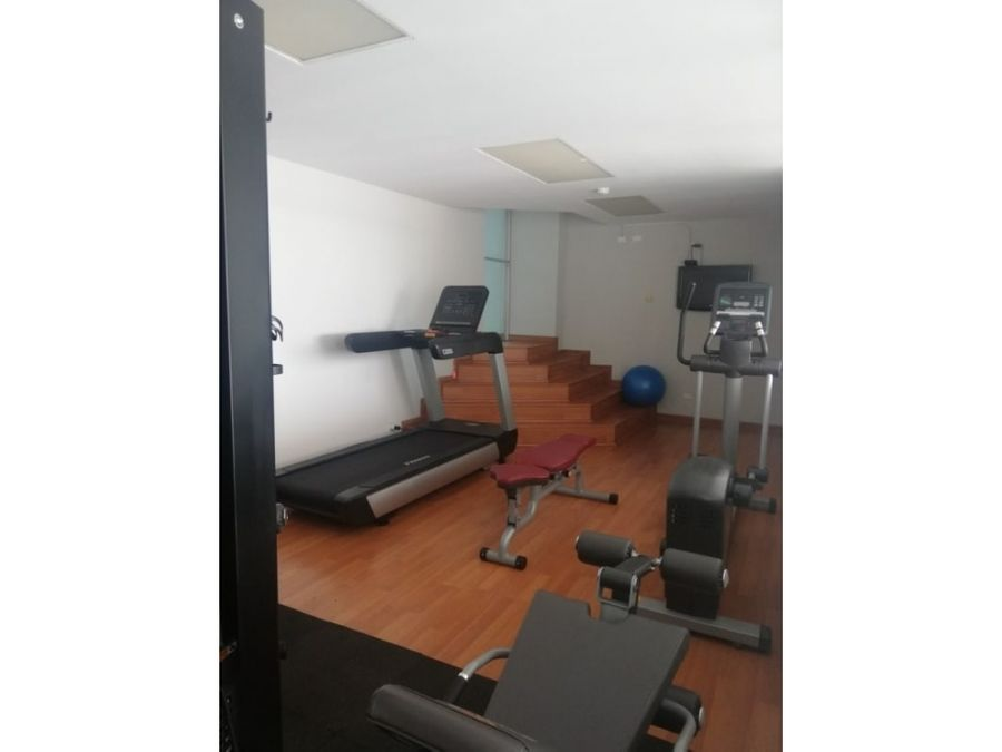 alquilo apartamento en ph south beach cinta costera