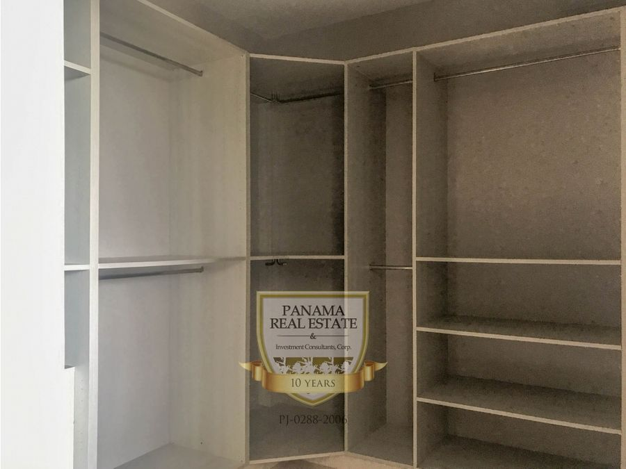 se vende apartamento en coco del mar mac