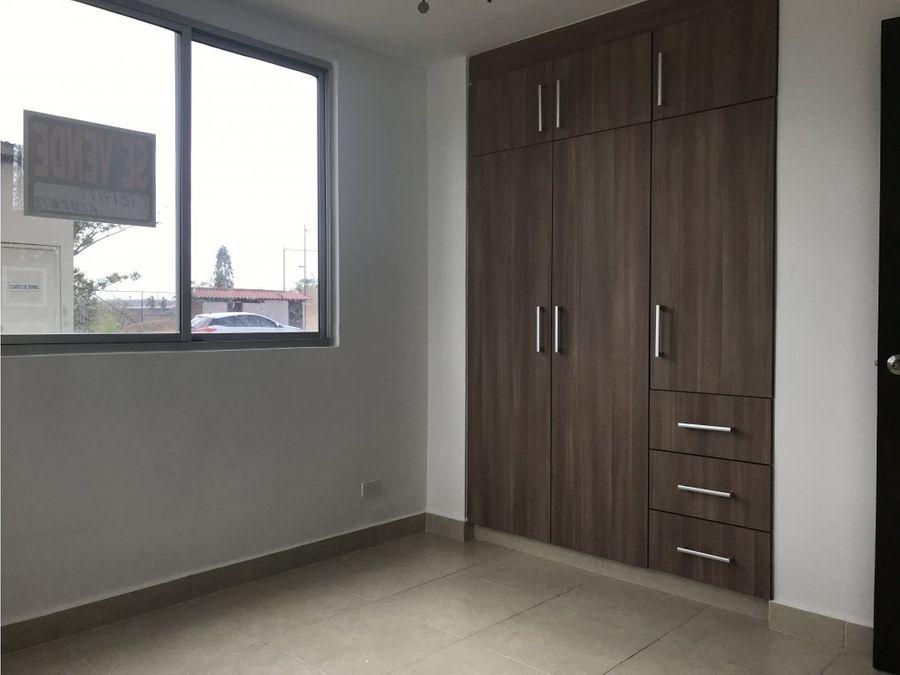 se vende apartamento en villa zaita mac