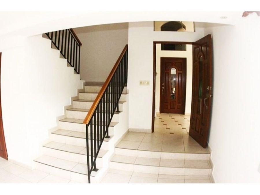 casa en clayton jardin linea blanca 2500 vc
