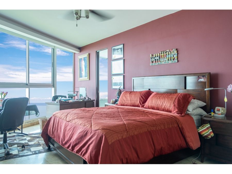 se vende apartamento en primera linea mac