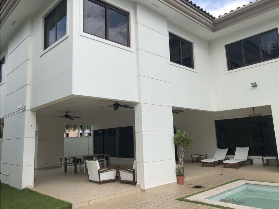 casa en costa del este piscina privada 6000 vc