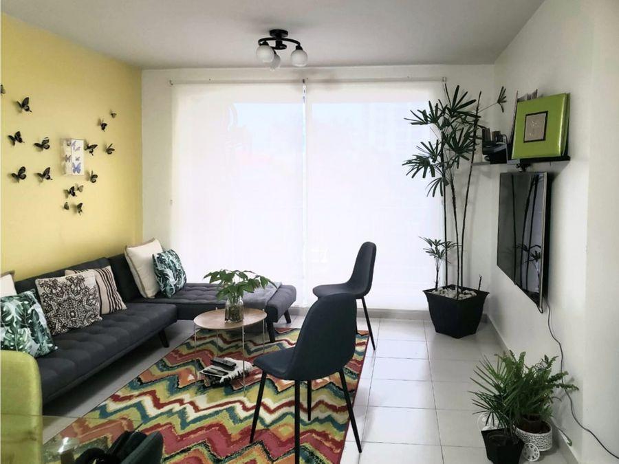 se vende apartamento en torres de versalles mac