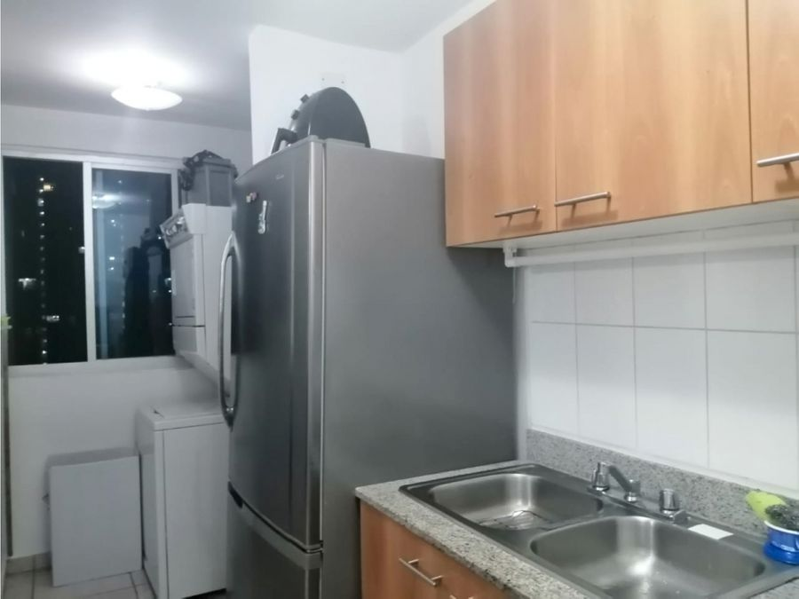 se vende apartamento en carrasquilla jlh