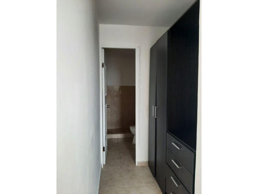 se vende en remate apartamento en carrasquilla rpa
