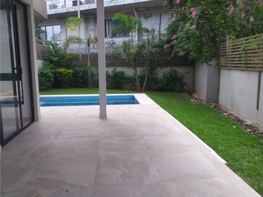 casa moderna en san francisco con piscina