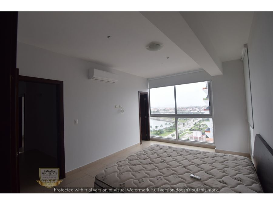 se alquila apartamento en avenida balboa