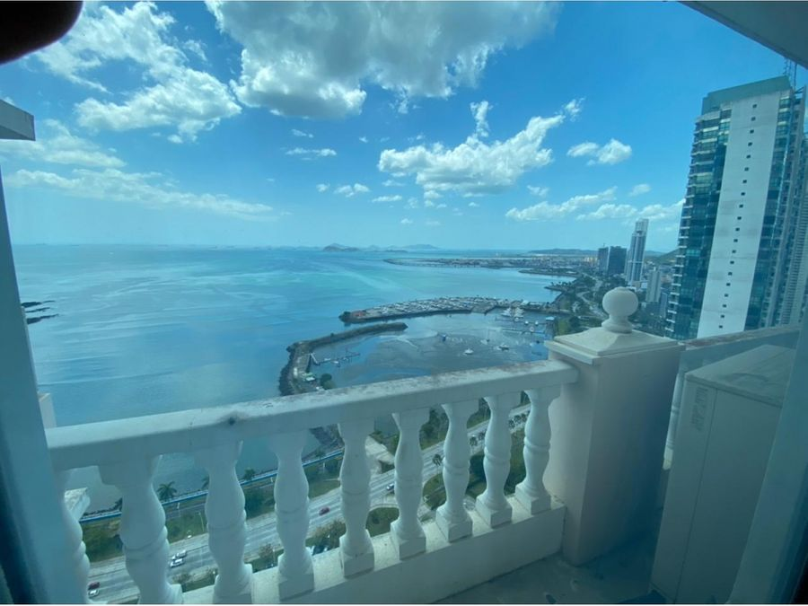 apartamento e alquiler en av balboa vista al mar amoblado