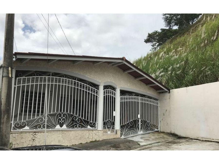 alquiler de amplia casa en el crisol 4 recamaras