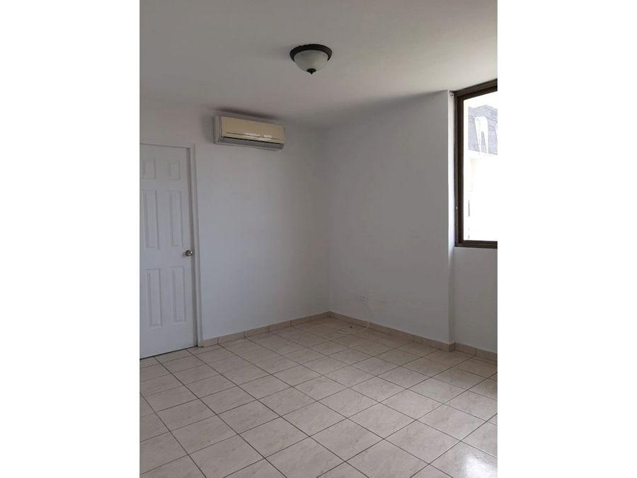 se vende comodo apartamento zona san francisco