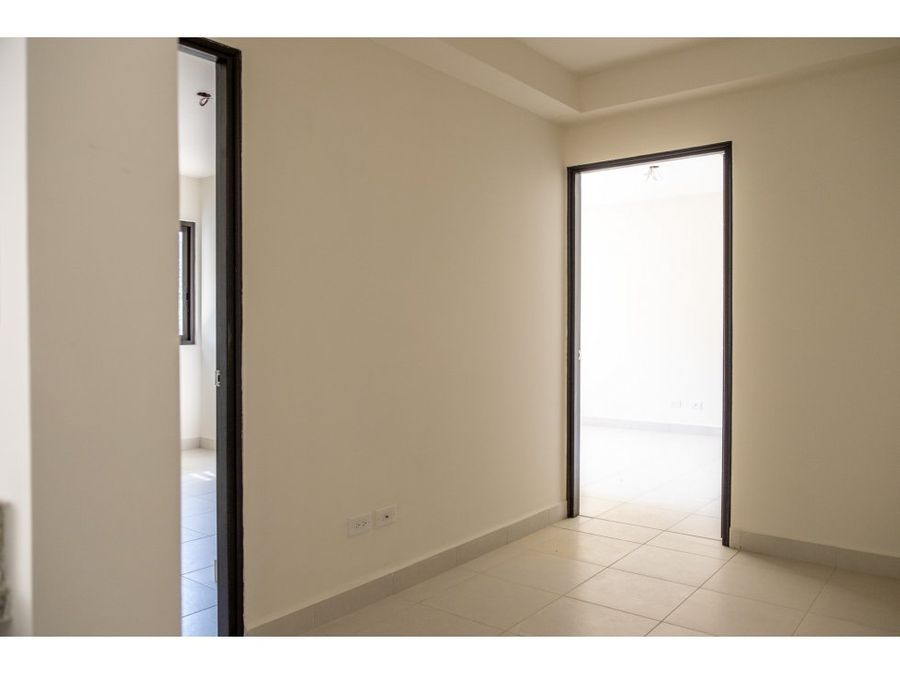 se vende apartamento en embassy village mac