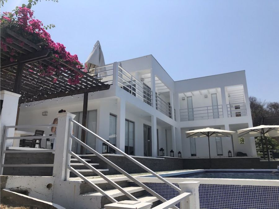 se vende casa finca con vista al mar