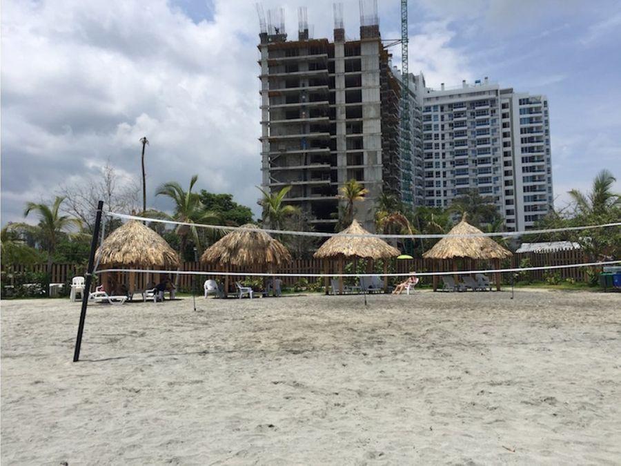 apartamento en condominio con salida a la playa en salguero