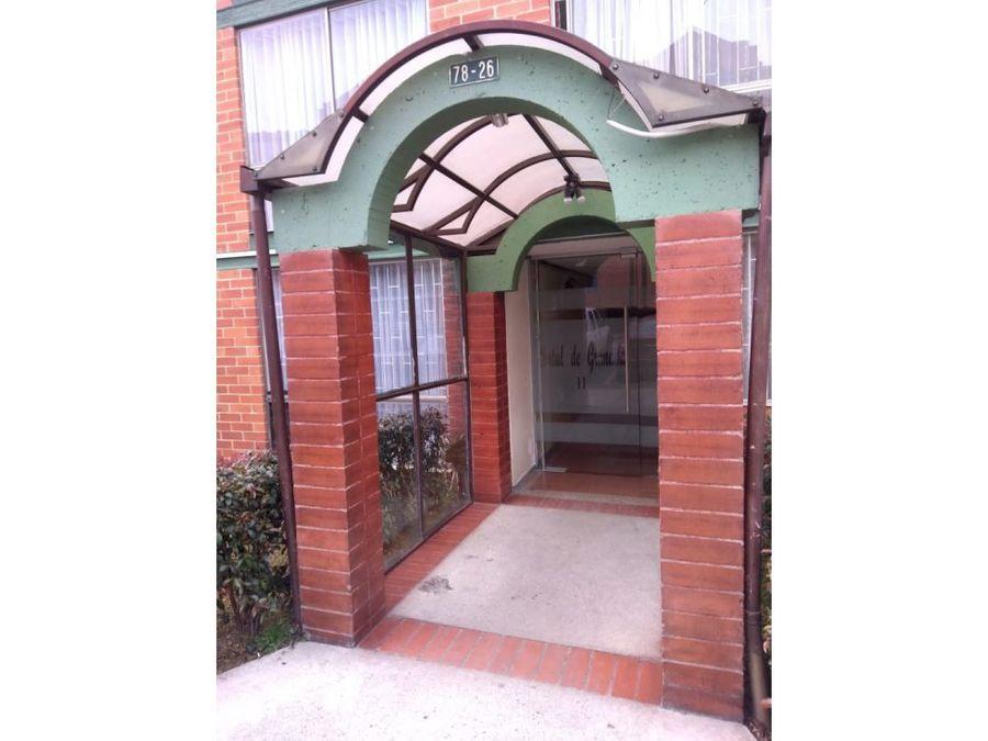 se vende apartamento portal de granada