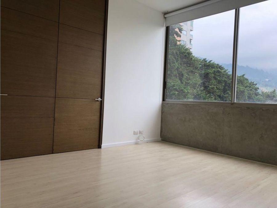 vendo espectacular apartamento cantagirone due