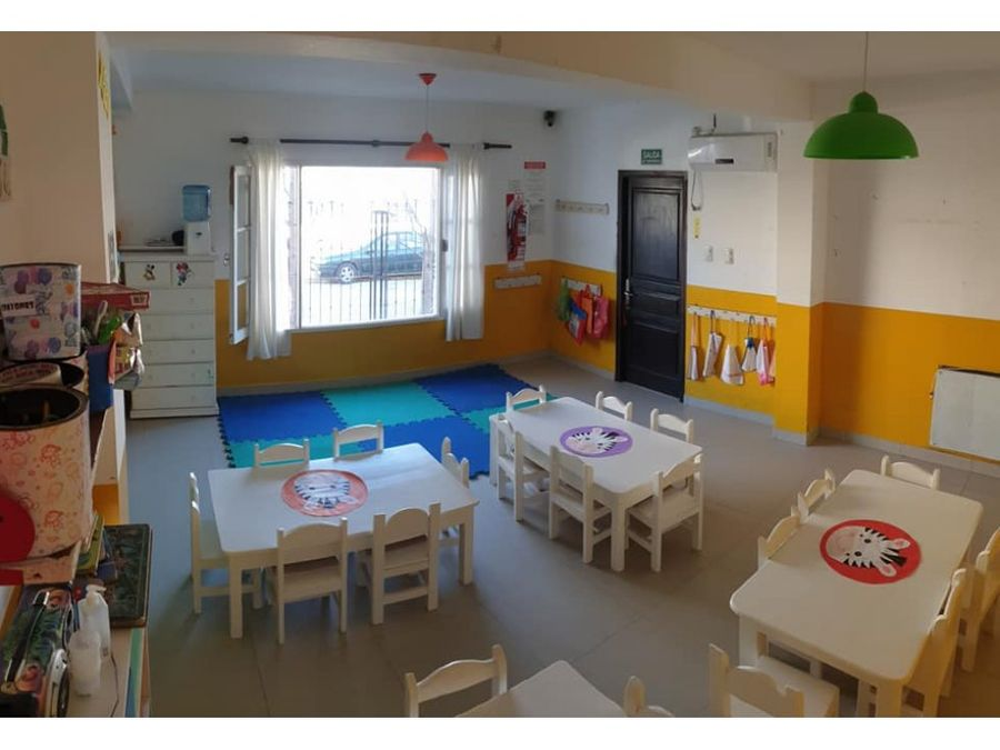 casa con fondo de comercio jardin maternal