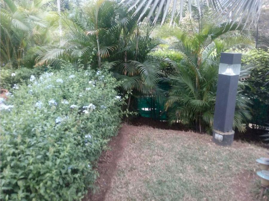 vende casa en condominio ciudad jardin