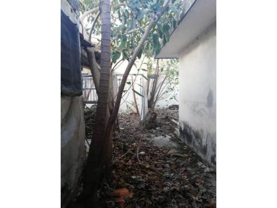 casa amplia para remodelar en el barrio santiago
