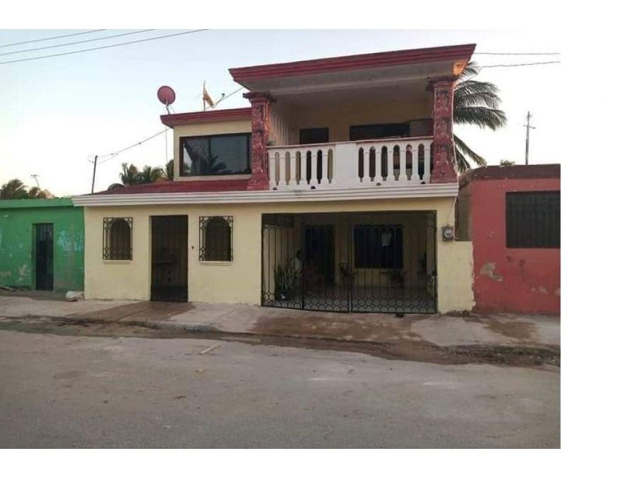 casa grande en el centro de chelem progreso yucatan