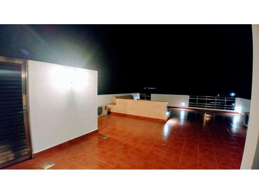 casa blanca con hermosa vista al mar de progreso