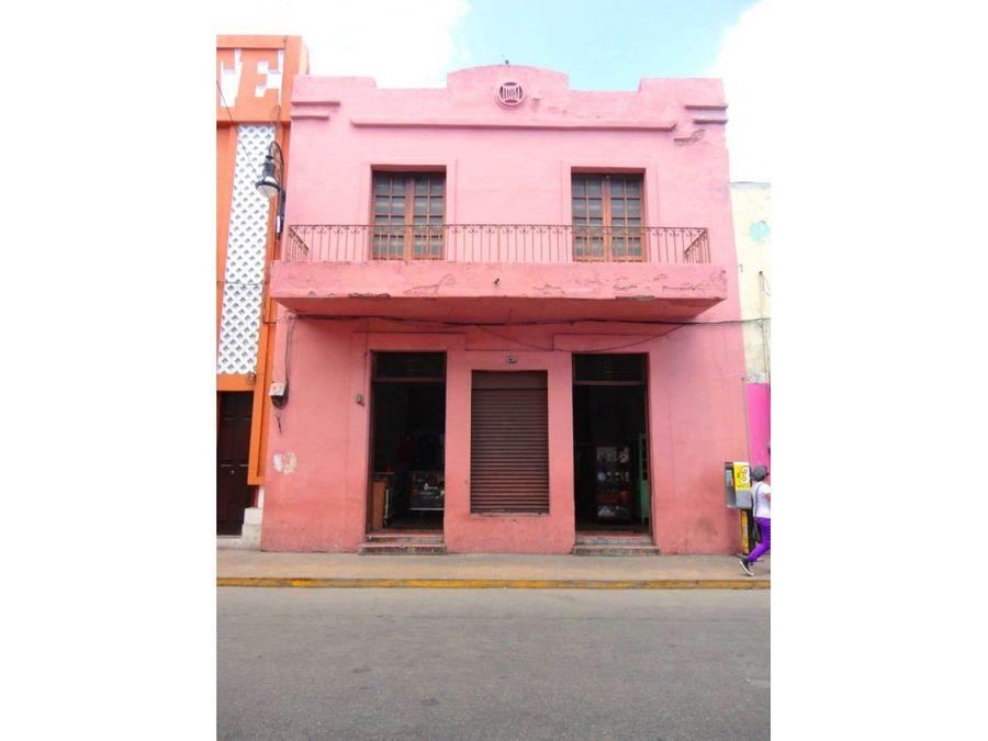 casa rosa en zona comercial del centro de merida
