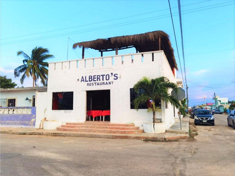 restaurante con casa en venta en progreso