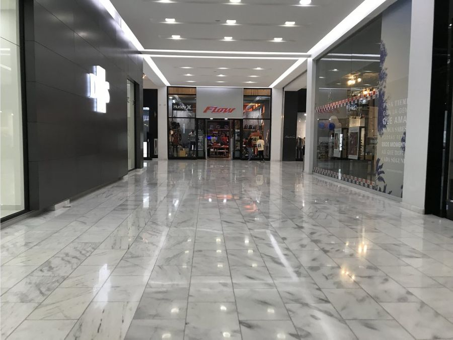 local en albrook mall planta baja