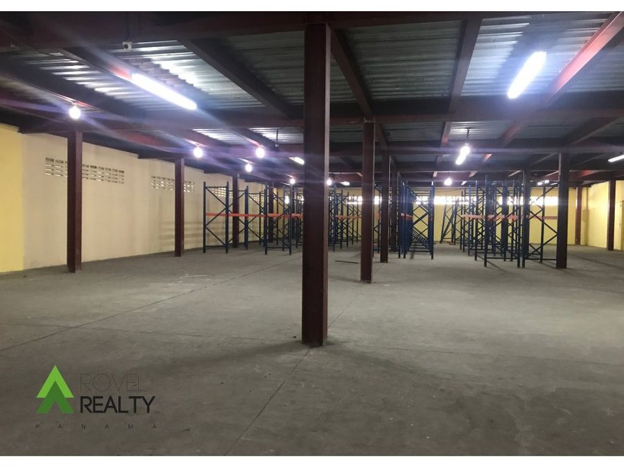 bodega 4250 m2 en france field negociable