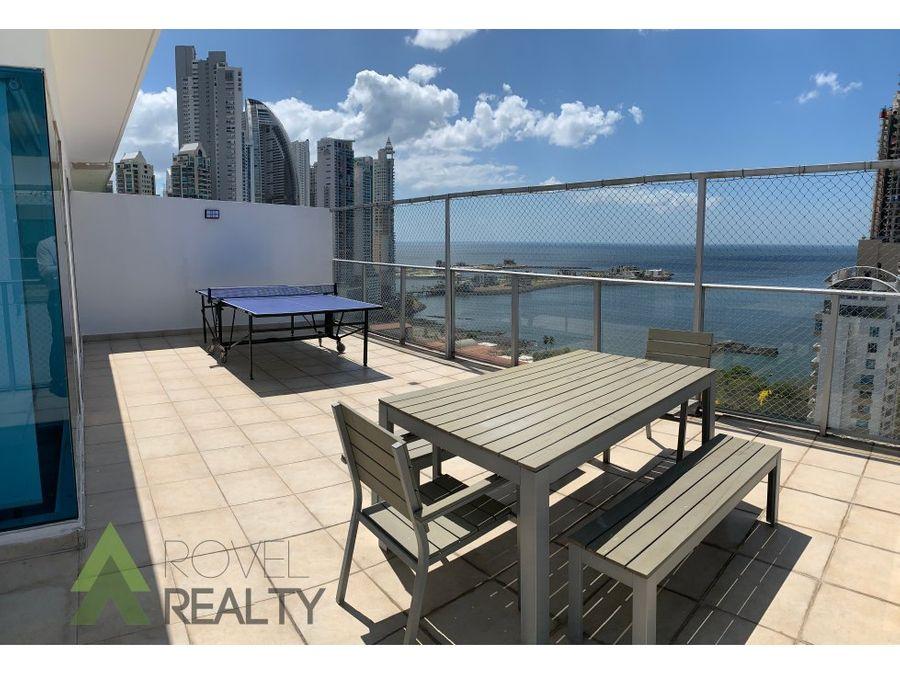 penthouse con vista al mar moderno
