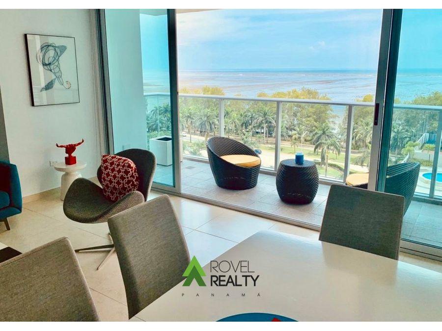 moderno apartamento con vista al mar