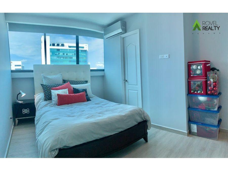 apartamento en ph star bay completamente renovado