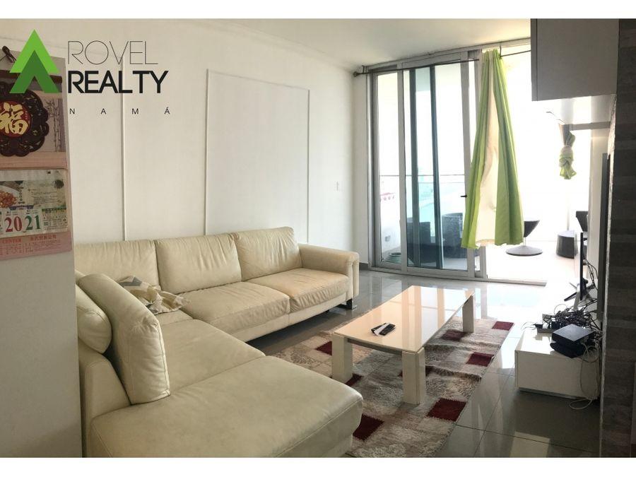 white tower modelo a avenida balboa