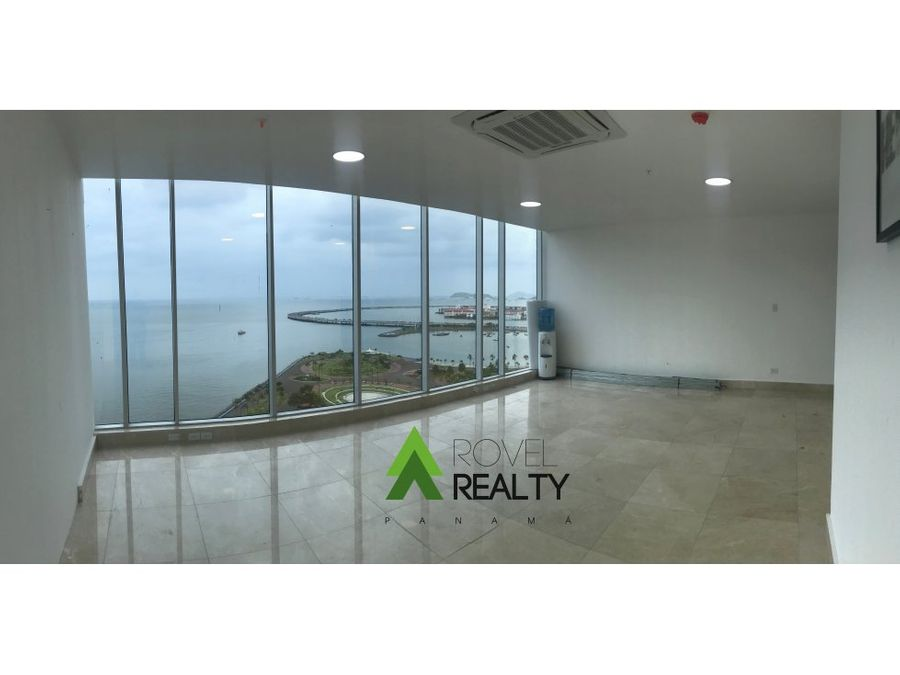 oficina de lujo frente al mar en ciudad de panama