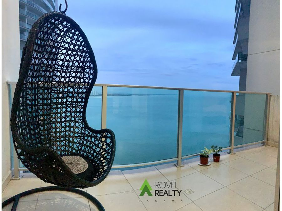 oasis on the bay loft en piso alto