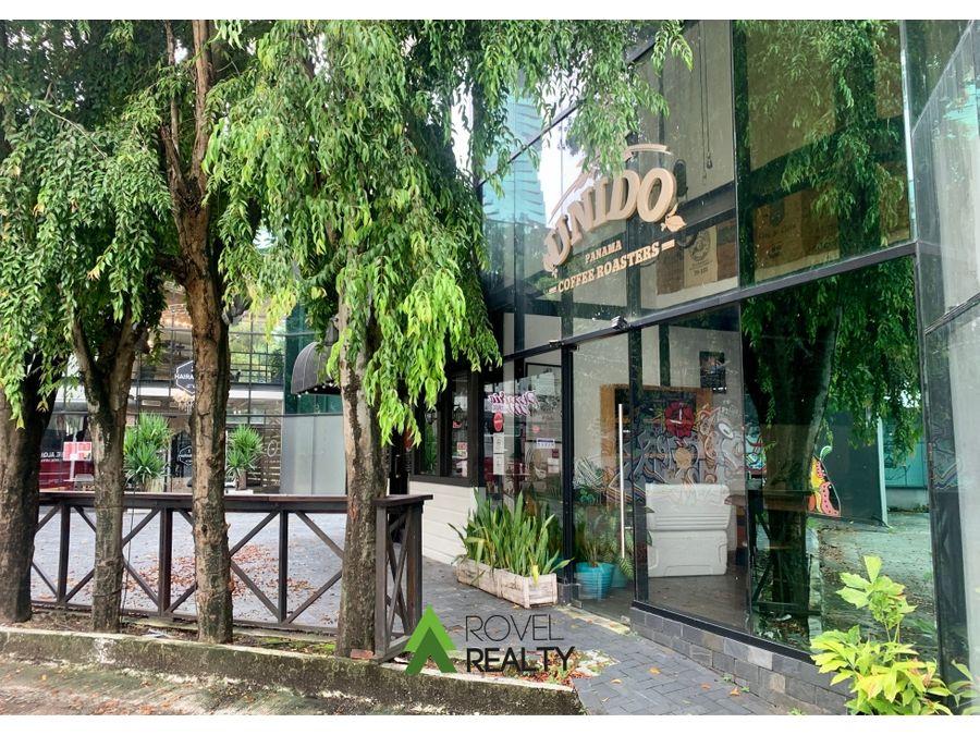 oficina en plaza la riviera excelente ubicacion