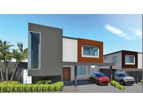 venta de casa de dos niveles en arroyo hondo iii