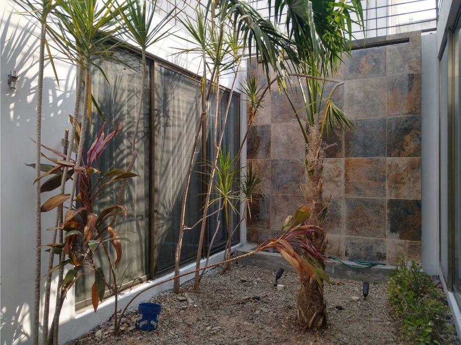 casa en venta una planta en jardines de merida