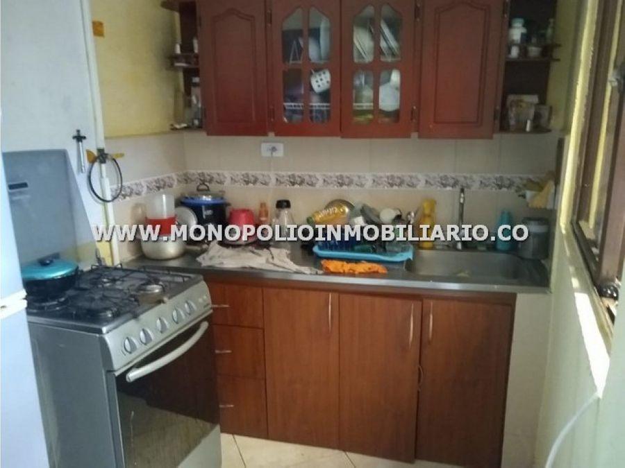 amplia casa bifamiliar venta buenos aires cod17238