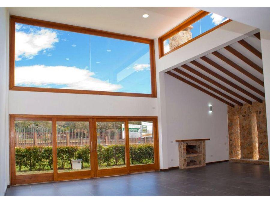 sofisticada casa en la ceja oriente antioqueno