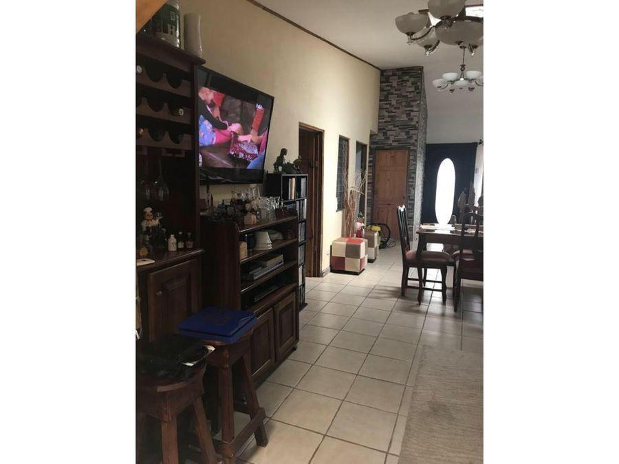 casa en residencial navarra pavas por aeropuerto