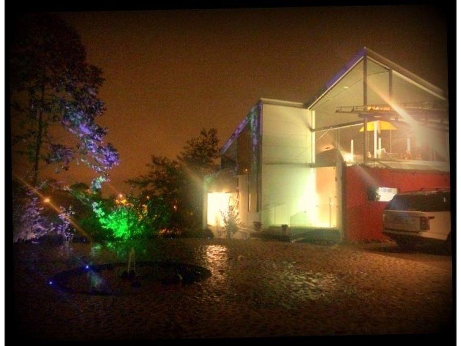 moderna casa en el gregal curridabat 1110