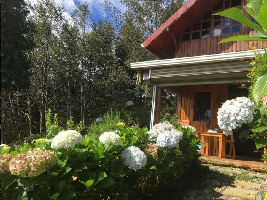 cabana en el jardin de dota